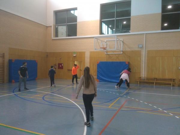 sesión deportiva en pabellón